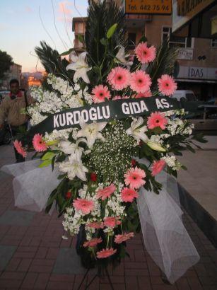 kazablanka,gerbera,sebboy ferforje  Adıyaman çiçekçi mağazası
