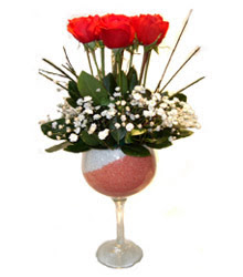 Adıyaman çiçekçiler  cam kadeh içinde 7 adet kirmizi gül çiçek
