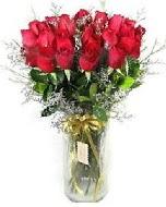 27 adet vazo içerisinde kırmızı gül  Adıyaman İnternetten çiçek siparişi