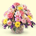 Adıyaman uluslararası çiçek gönderme  sepet içerisinde gül ve mevsim
