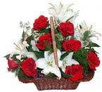 sepette gül ve kazablankalar   Adıyaman çiçekçi mağazası
