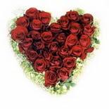 kalp biçiminde 15 gülden   Adıyaman güvenli kaliteli hızlı çiçek