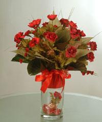 yapay güllerden vazo  9 gül  Adıyaman uluslararası çiçek gönderme