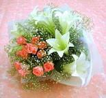 Adıyaman çiçek yolla  lilyum ve 7 adet gül buket