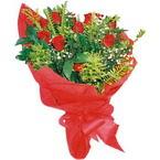 10 adet kirmizi gül buketi  Adıyaman çiçek yolla