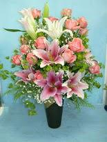 Adıyaman internetten çiçek satışı  cam vazo içerisinde 21 gül 1 kazablanka