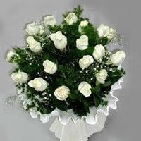 Adıyaman hediye çiçek yolla  11 adet beyaz gül buketi ve bembeyaz amnbalaj