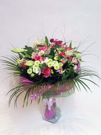 Adıyaman hediye çiçek yolla  karisik mevsim buketi mevsime göre hazirlanir.