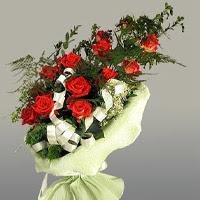 Adıyaman ucuz çiçek gönder  11 adet kirmizi gül buketi sade haldedir