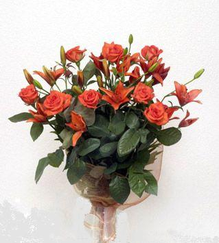 9 adet gül ve 3 adet lilyum çiçegi buketi   Adıyaman cicek , cicekci