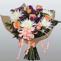 güller ve kir çiçekleri demeti   Adıyaman çiçekçiler