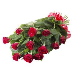 11 adet kirmizi gül buketi  Adıyaman yurtiçi ve yurtdışı çiçek siparişi