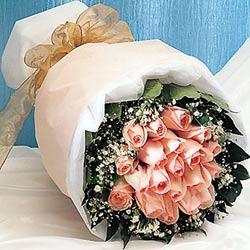 12 adet sonya gül buketi anneler günü için olabilir   Adıyaman İnternetten çiçek siparişi