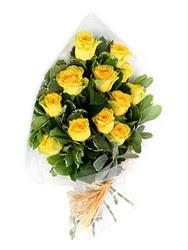 Adıyaman güvenli kaliteli hızlı çiçek  12 li sari gül buketi.