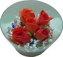 Adıyaman 14 şubat sevgililer günü çiçek  5 adet gül ve cam tanzimde çiçekler