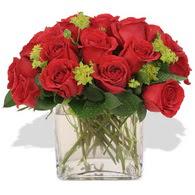 Adıyaman çiçekçi telefonları  10 adet kirmizi gül ve cam yada mika vazo