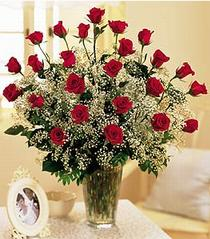 Adıyaman çiçek , çiçekçi , çiçekçilik  özel günler için 12 adet kirmizi gül