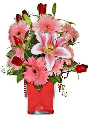 Adıyaman cicek , cicekci  karisik cam yada mika vazoda mevsim çiçekleri mevsim demeti