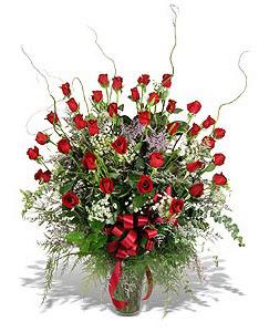 Adıyaman çiçek siparişi sitesi  33 adet kirmizi gül vazo içerisinde