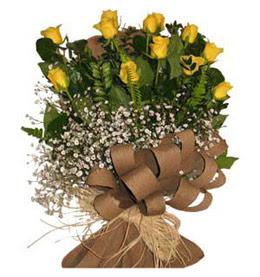 Adıyaman çiçek yolla  9 adet sari gül buketi