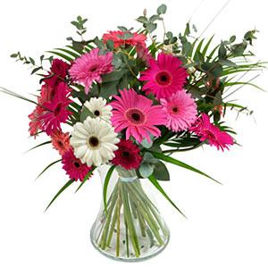 15 adet gerbera ve vazo çiçek tanzimi  Adıyaman online çiçek gönderme sipariş