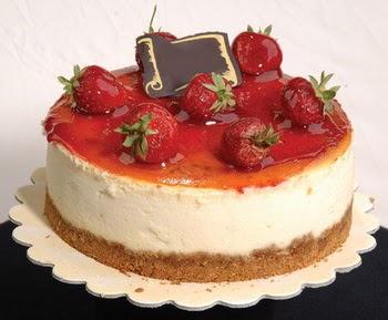 online pastaci 4 ile 6 kisilik yas pasta çilekli  Adıyaman çiçek siparişi sitesi