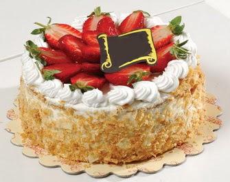 uygun pastaneler 4 ile 6 kisilik çilekli yas pasta lezzetli  Adıyaman çiçek siparişi vermek