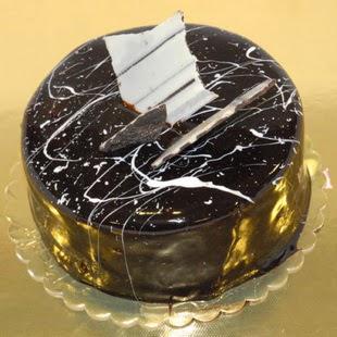 pasta gönder 4 ile 6 kisilik parça çikolatali yaspasta  Adıyaman internetten çiçek siparişi