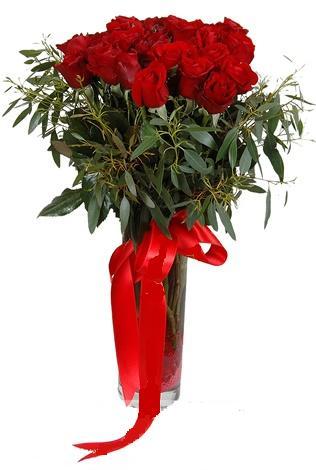 15 adet kirmizi gül cam vazo içerisinde  Adıyaman internetten çiçek satışı
