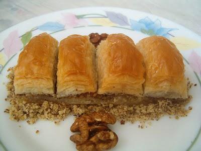 online pastane Essiz lezzette 1 kilo cevizli baklava  Adıyaman cicek , cicekci