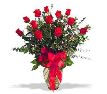 çiçek siparisi 11 adet kirmizi gül cam vazo  Adıyaman online çiçek gönderme sipariş