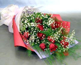10 adet kirmizi gül çiçegi gönder  Adıyaman anneler günü çiçek yolla