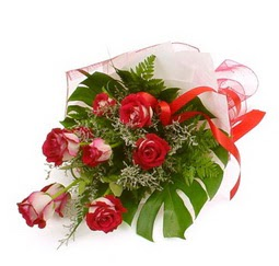 Çiçek gönder 9 adet kirmizi gül buketi  Adıyaman çiçek siparişi vermek