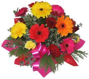 Karisik mevsim çiçeklerinden buket  Adıyaman hediye sevgilime hediye çiçek