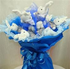 7 adet pelus ayicik buketi  Adıyaman çiçek , çiçekçi , çiçekçilik