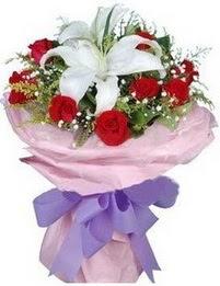 9 adet kirmizi gül 1 adet kazablanka buketi  Adıyaman çiçekçi mağazası
