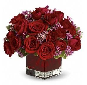 11 adet kırmızı gül vazosu  Adıyaman çiçekçiler