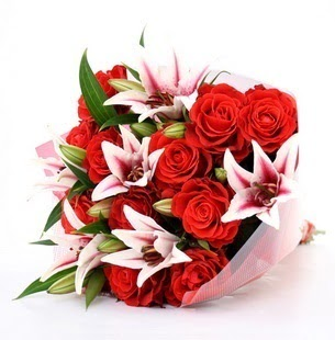 Adıyaman çiçek siparişi vermek  3 dal kazablanka ve 11 adet kırmızı gül