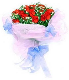 Adıyaman çiçek siparişi sitesi  11 adet kırmızı güllerden buket modeli