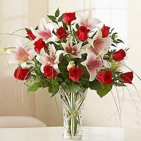 Adıyaman çiçek mağazası , çiçekçi adresleri  12 adet kırmızı gül 1 dal kazablanka çiçeği