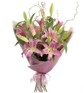 Adıyaman İnternetten çiçek siparişi  3 dal cazablanca buket çiçeği
