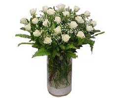 Adıyaman yurtiçi ve yurtdışı çiçek siparişi  cam yada mika Vazoda 12 adet beyaz gül - sevenler için ideal seçim
