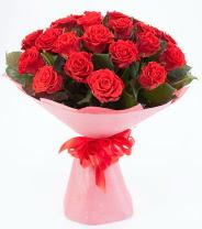 12 adet kırmızı gül buketi  Adıyaman çiçek siparişi sitesi