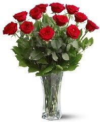 11 adet kırmızı gül vazoda  Adıyaman internetten çiçek siparişi