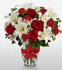Eşsiz vazo tanzimi güller kazablankalar  Adıyaman online çiçek gönderme sipariş