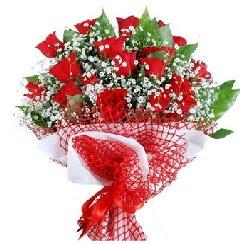 11 kırmızı gülden buket  Adıyaman 14 şubat sevgililer günü çiçek