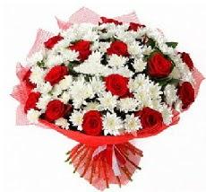 11 adet kırmızı gül ve 1 demet krizantem  Adıyaman çiçek mağazası , çiçekçi adresleri