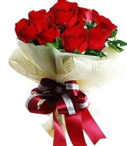 9 adet kırmızı gülden buket tanzimi  Adıyaman çiçek gönderme sitemiz güvenlidir