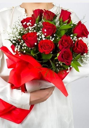 Aşk Gülleri 11 Adet kırmızı gül buketi  Adıyaman çiçekçi telefonları