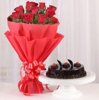 10 Adet kırmızı gül ve 4 kişilik yaş pasta  Adıyaman internetten çiçek satışı